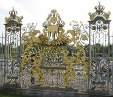 Hampton Court Palace - screen representing Unknown